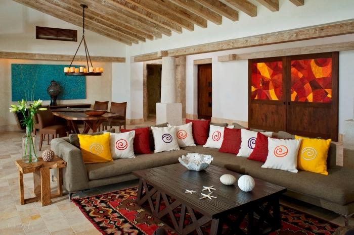 idée comment aménager un salon chaleureux ouvert sur la salle à manger aux murs blanc eet bois avec large canapé d'angle