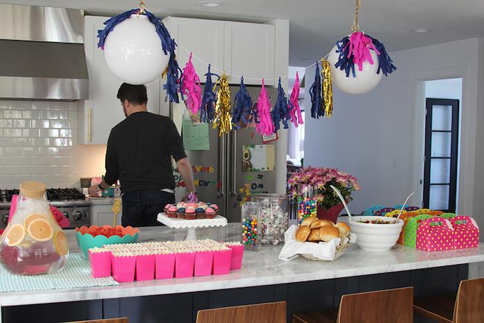 Decoration anniversaire fille idée bricolage maison belle photo exemple