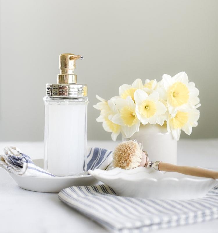 recette savon maison sans soude avec savon de casille de l eau distillée et huiles essentielles