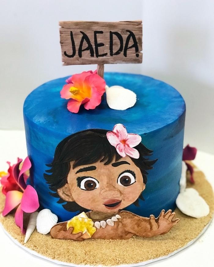 comment faire une decoration anniversaire fille du gâteau Disney, art de modelage gâteau à design visage bébé vaiana