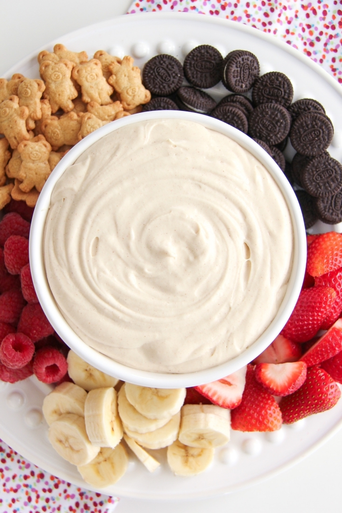 recette fluff à la guimauve et au beurre de cacahuète idéal pour un brunch ou un goûter, trempette originale à la guimauve