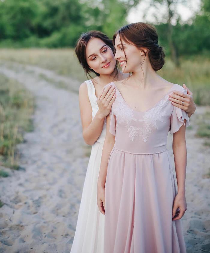 Idée robe pour mariage comment s habiller bien robe pour invité de mariage la mariée et sa meilleure amie robe rose pale mignonne