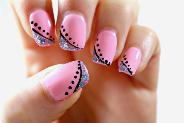 Modèle ongle en gel, idée ongle déco avec dessin ongle, quelles sont les tendances, gel vernis rose