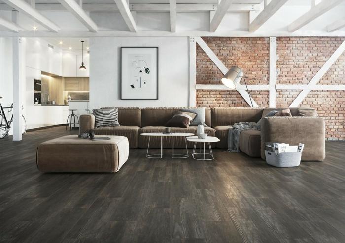séjour contemporain en marron et blanc, association couleur marron, sofa modulable, mur en briques