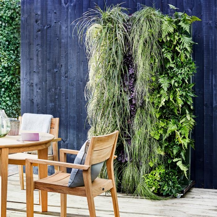 comment fabriquer soi-même un mur végétalisé, idée originale pour l'aménagement du jardin ou de la terrasse avec un mur végétal en kit facile à installer