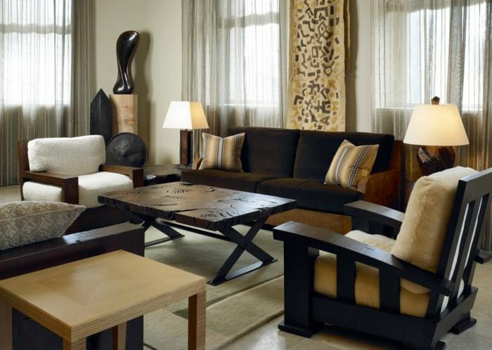 séjour intéressant en wengé et beige, tables basses, équipement et décoration en couleurs terrestres