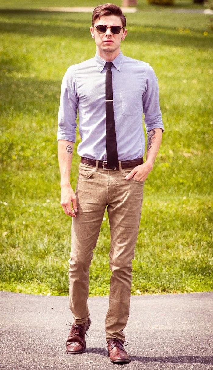 tenue homme pour mariage relax avec jean chemise slim et cravate