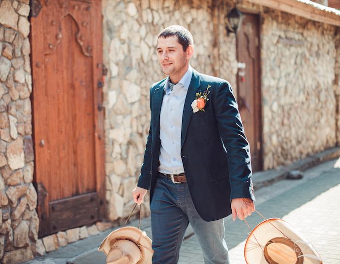 tenue mariage invité homme pour thème champetre décontracté jean et veste costume
