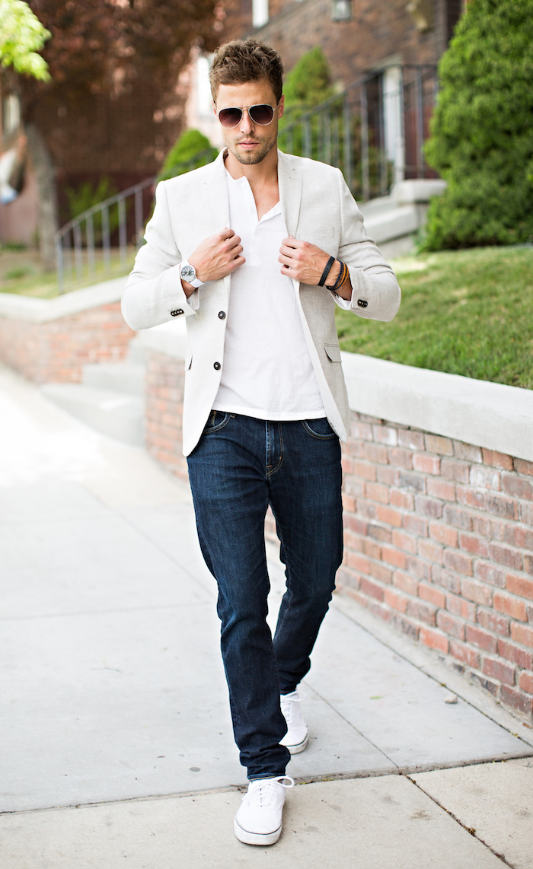 costume homme mariage champetre décontracté avec jean brut chaussures vans et veste beige