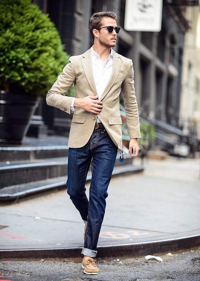 tenue mariage decontractee avec jean brut et veste costume beige