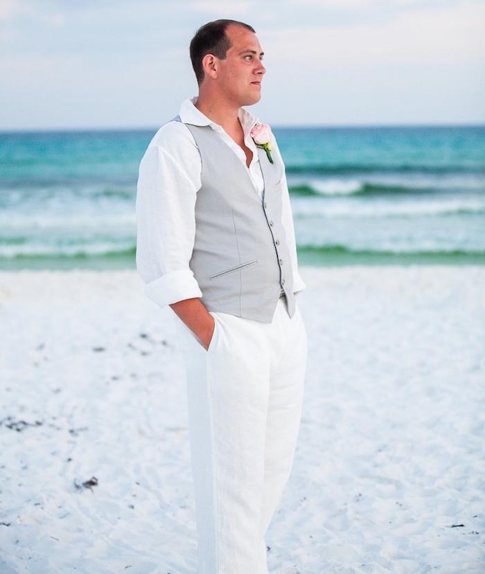 costume décontracté pour la plage et tenue mariage champetre homme relax avec ensemble en lin blanc
