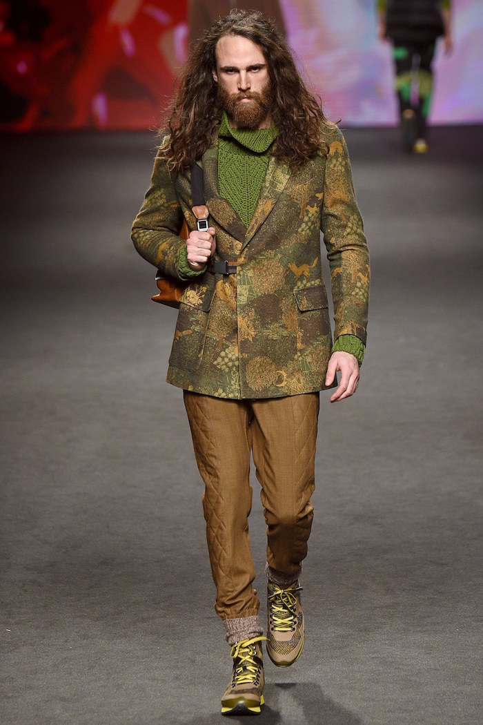 tenue décontractée style champetre chic couleur camouflage luxe pour weekend randonnée