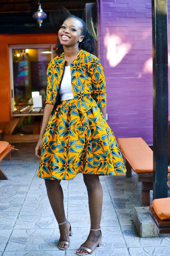vetement femme wax été blouse et jupe plissée large motif ankara jaune et bleu