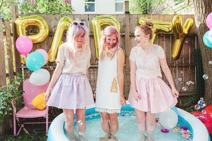 Idée activité evjf week end enterrement de vie de jeune fille pas cher party à la piscine gonflable