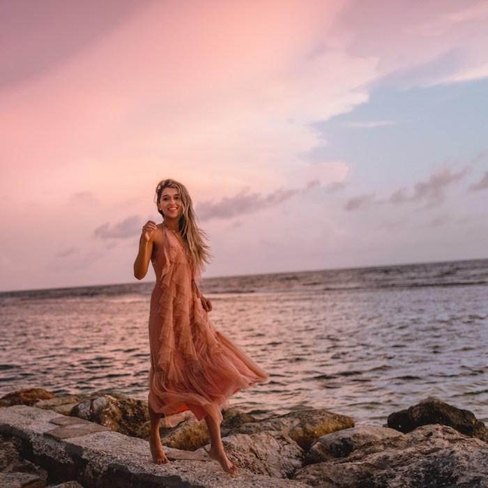 Belle robe de mariée champetre chic rose pale robe chic et champetre élégante idée tenue été au bord de la mer