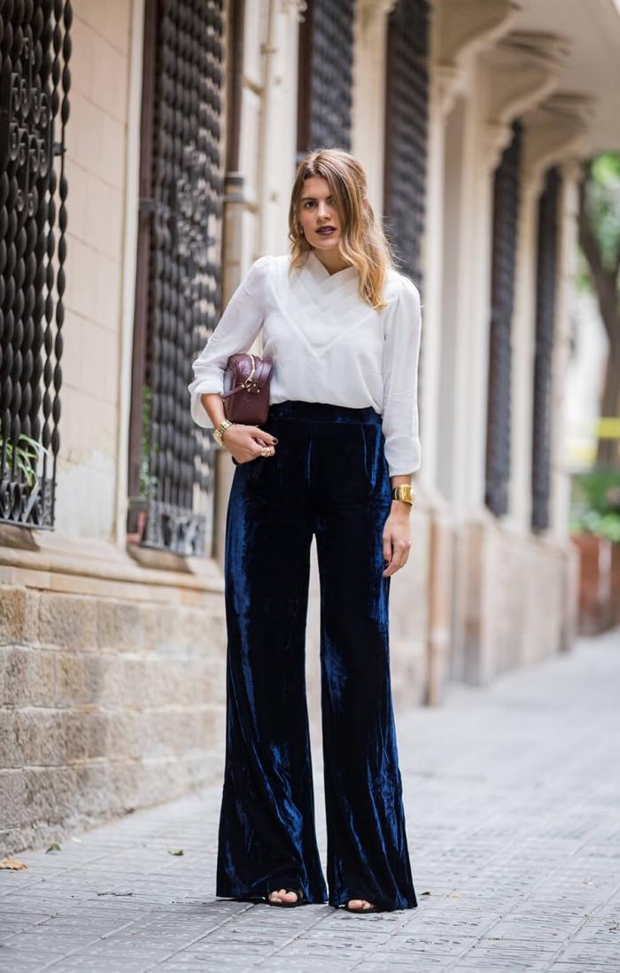 f2c2e6a455b4 ... bleu foncé avec chemise blanche et sandales Le pantalon fluide à taille  haute – 88 idées comment le porter de manières variées ...