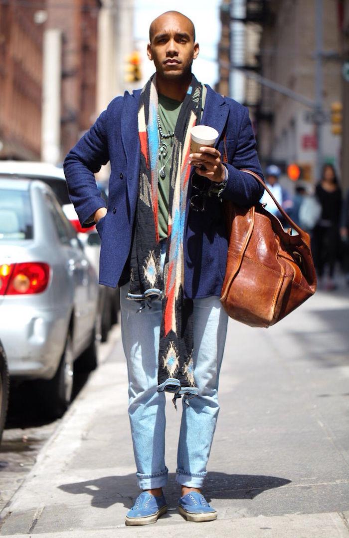 look homme hipster boheme avec tenue simple decontractée chic