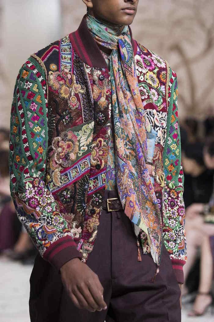 veste homme en laine boheme et foulard hermes couleurs retro hippie