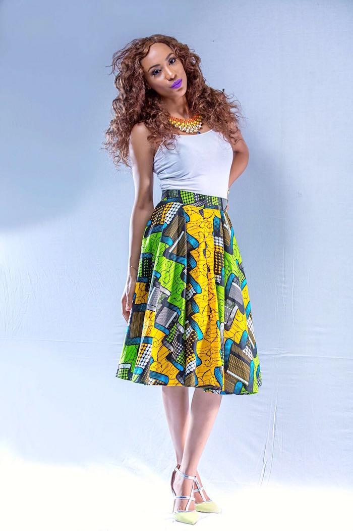 robe africaine moderne jeune et vert pour tenue été mi longue avec top blanc