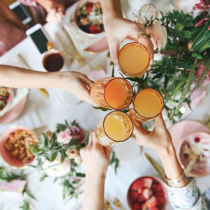 Week end enterrement de vie de jeune fille cool idée comment s amuser bien saluer la future mariée mimosas toast