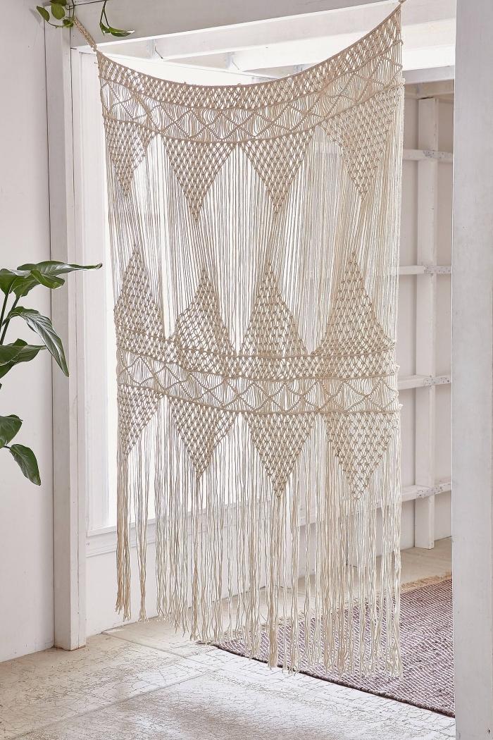 idée comment séparer une pièce avec rideau DIY en corde et noeud macramé, modèle suspension macramé originale