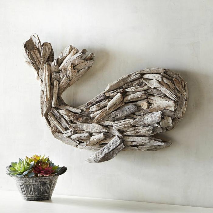 bois flotté déco baleine, petit pot de fleur avec succulents, décoration murale bois flotté