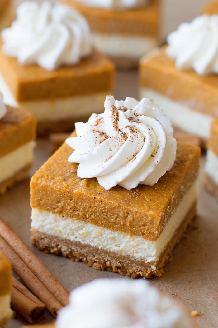 recette facile de gateau citrouille façon cheesecake, des carrés au fromage à la crème et à la citrouille