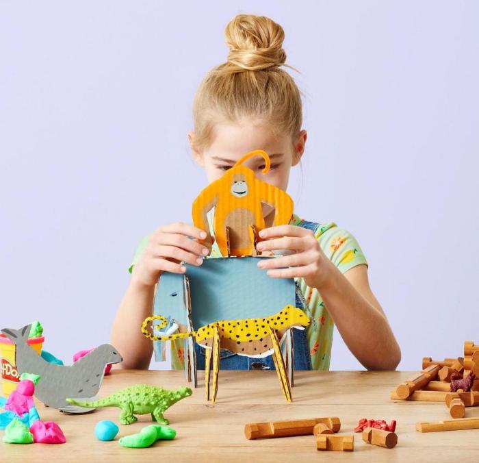 des animaux en carton réalisés à partir une boîte à chaussure récupérée, activité manuelle primaire avec carton