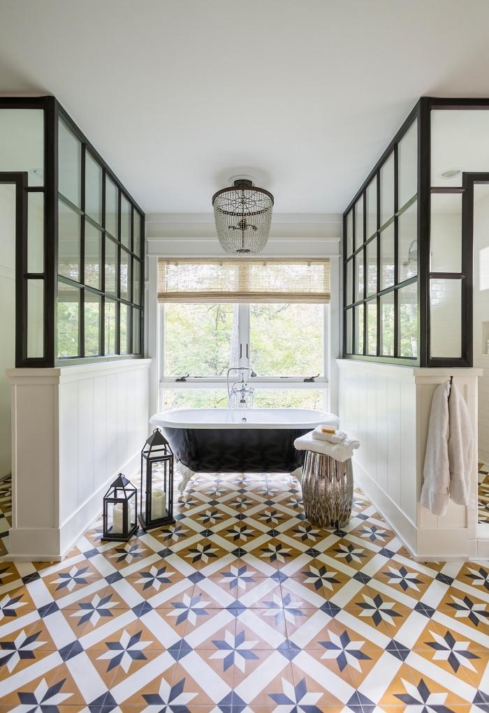 La salle de bains en carreaux de ciment un espace entre - Carreau de ciment salle de bain ...