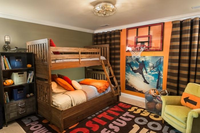 la meilleure chambre garcon ado, tapis avec scripts, lit mezzanine, fauteuil vert