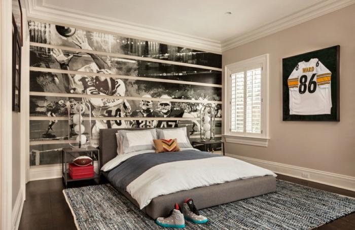 poster mural noir et blanc, peinture chambre garçon taupe, lit gris au sol, chevets minimalistes
