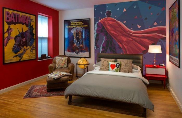 poster mural super héros, poster batman, fauteuil vintage, globe jaune, chevet rouge et blanc