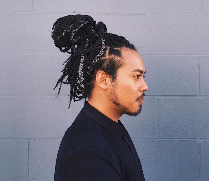 coiffure homme métisse avec tresse africaine rajout longues en grand chignon