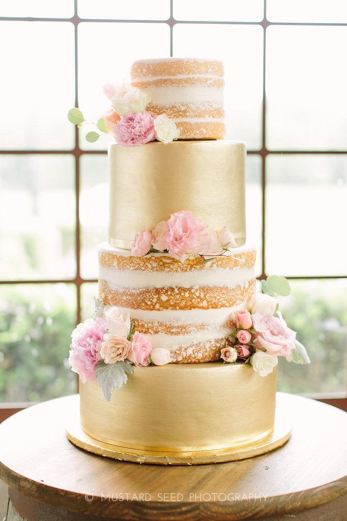 Pièce montée mariage choux image de gateau mariage original déco romantique rose et doré avec pivoines mignonnes
