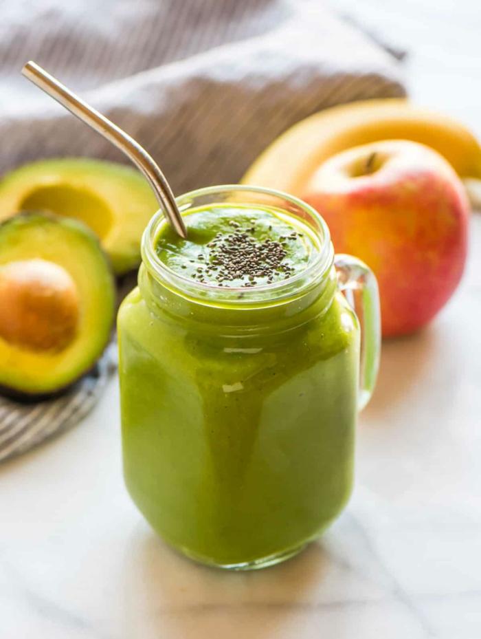 smoothie avocat banane et pomme, smoothies verts détoxyfiants et apétissants