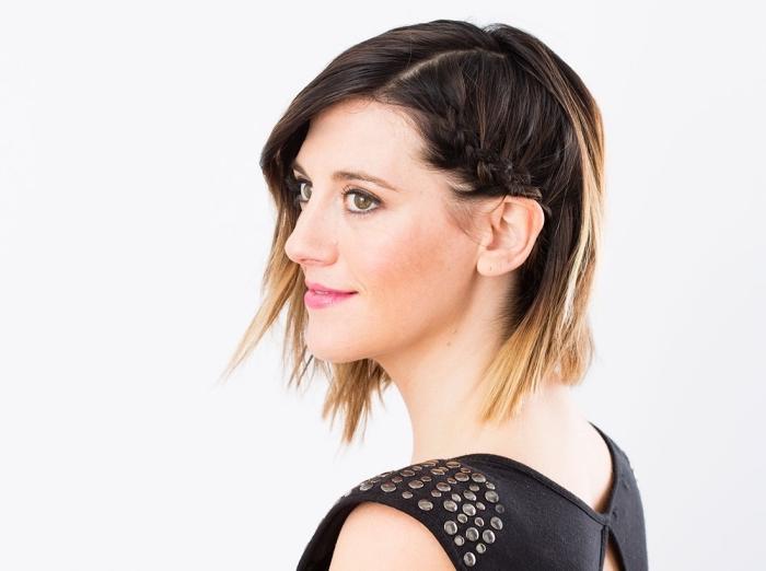 quelle coiffure facile pour cheveux courts et raids, exemple de coiffure aux cheveux détachés courts avec petite tresse africaine de côté