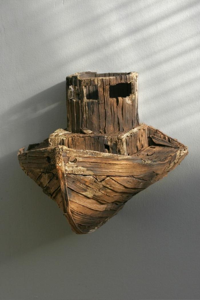bateau en bois flotté, création en bois flotté, déco artistique en bâtons de bois