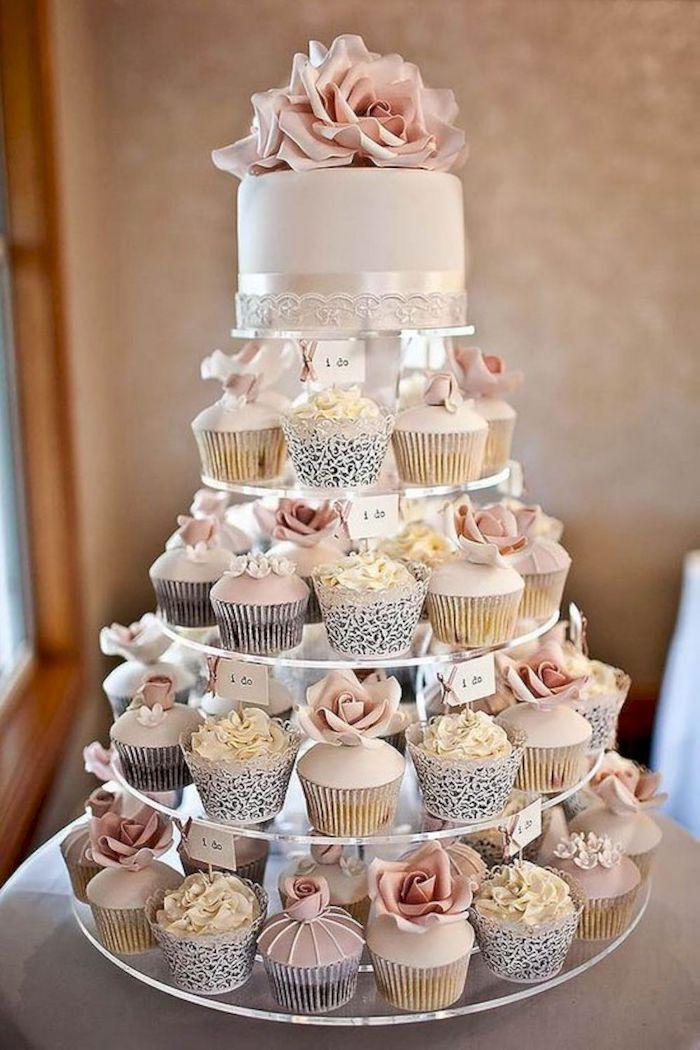 Idée piece montee mariage, piece montée de cupcakes, wedding cake mariage original, gateau de mariage de luxe