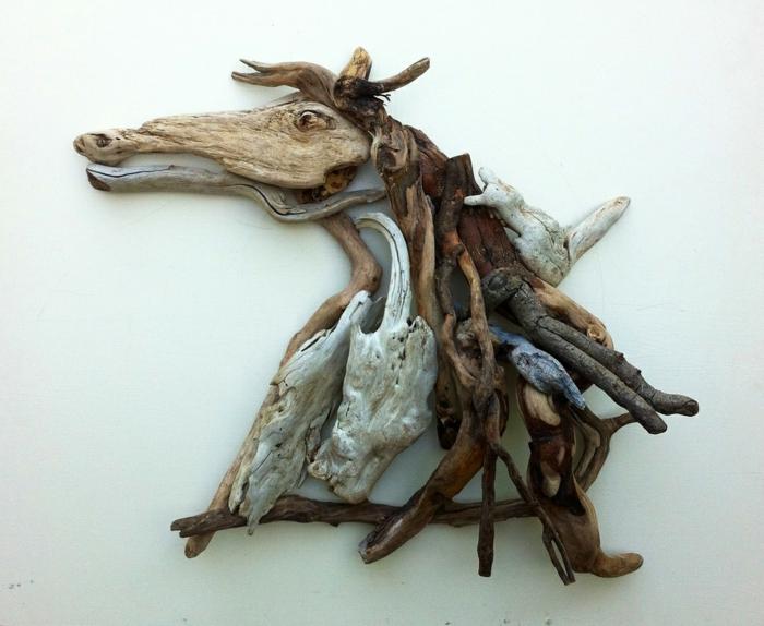 création artistique cheval, création de figures et de sculptures réalistes avec du bois