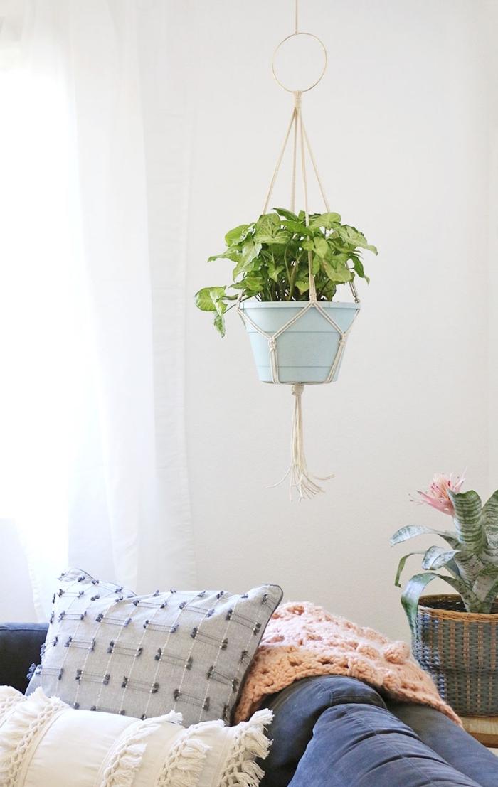 corde pour macramé suspension florale, modèle de création en macramé facile pour décorer un salon moderne ou traditionnel