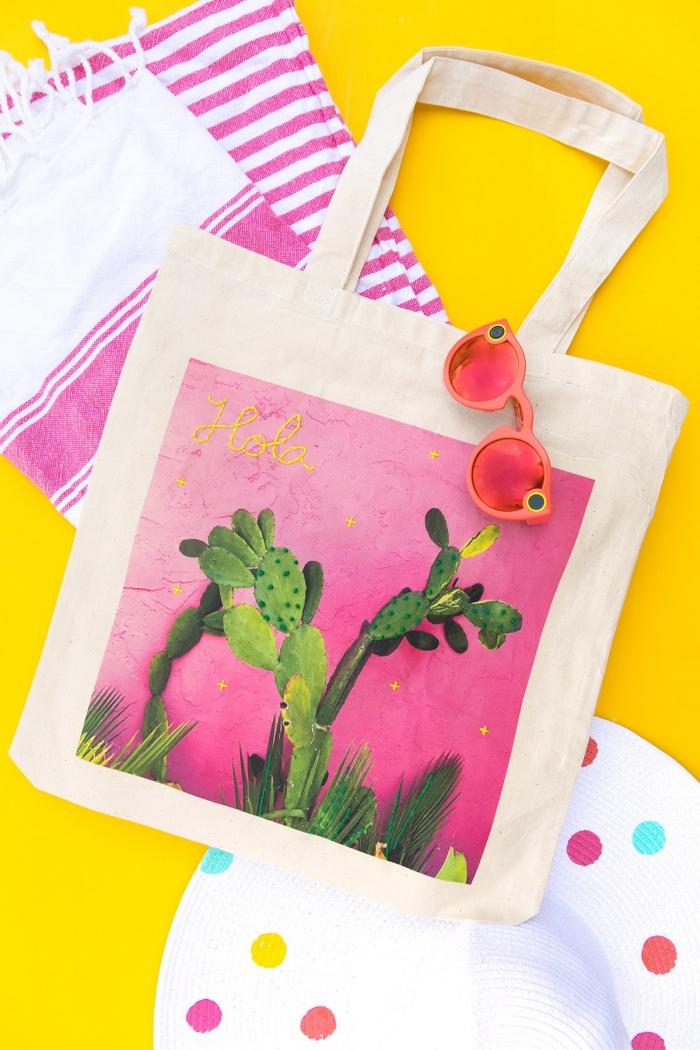 idée de décoration facile en fil broderie sur un sac cabas à design photo cactus, technique broderie pour déco accessoire