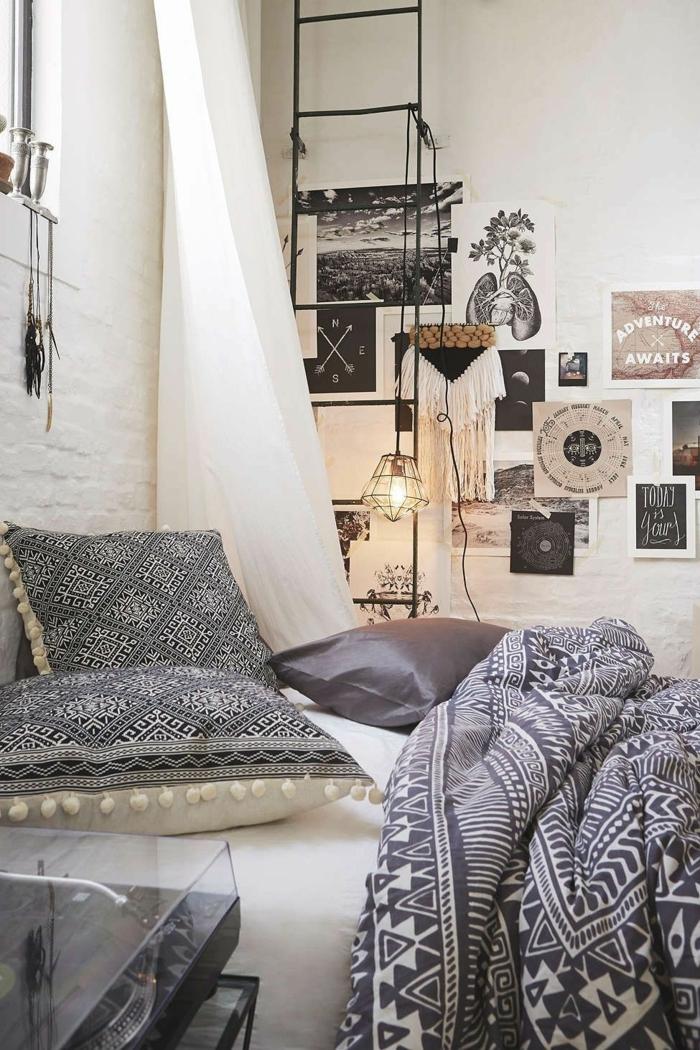 jolie chambre adulte, deco chambre parentale en gris et rose, coussins gris, mur briques, lampe cage, échelle noire