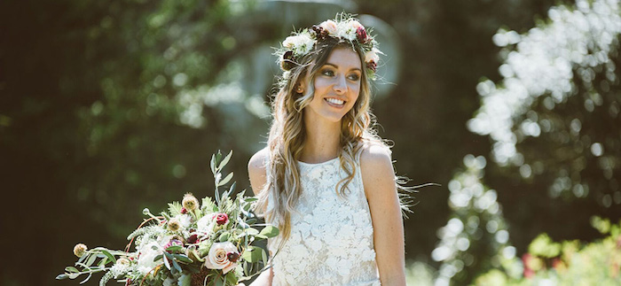 S'inspirer par les photos mariage champetre bouquet de mariee, coiffure mariage boheme femme stylée, le boho chic