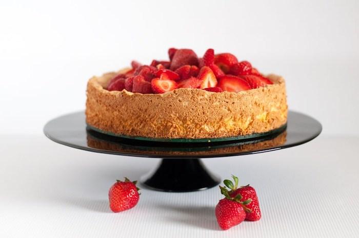 Chouette recette gateau noix de coco, gateau allégé avec fraises, idée cake aux fraises moelleux