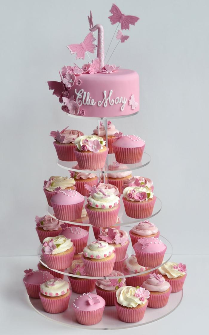 gâteau en cupcakes roses, dessert festive facile à préparer, présentoir gâteau étages