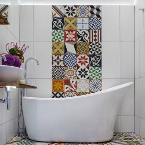 Petite salle de bain avec baignoire - toutes les astuces déco pour réussir la transformation illico