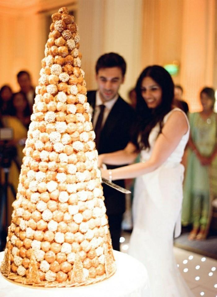 Gateau au pièce montée choux mariage, gateau wedding cake croquembouche, idée gateau de mariage original avec petit choux