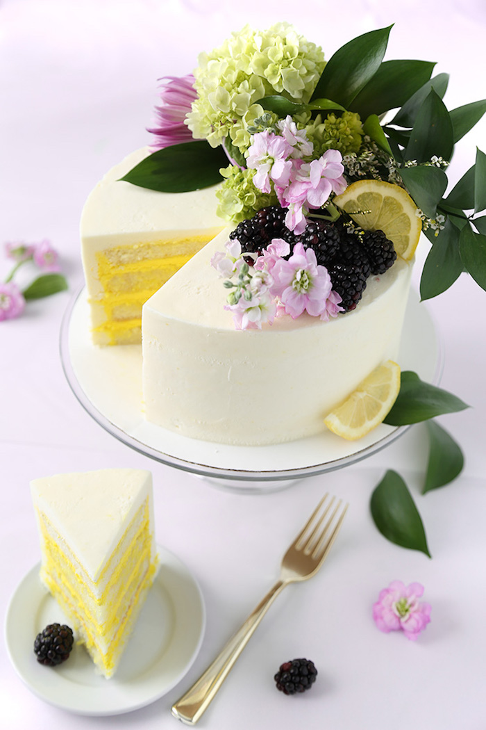 Idée quel dessert leger faire aujourd hui, gateau aux citrons avec glaçage simple de fromage frais à zero fat
