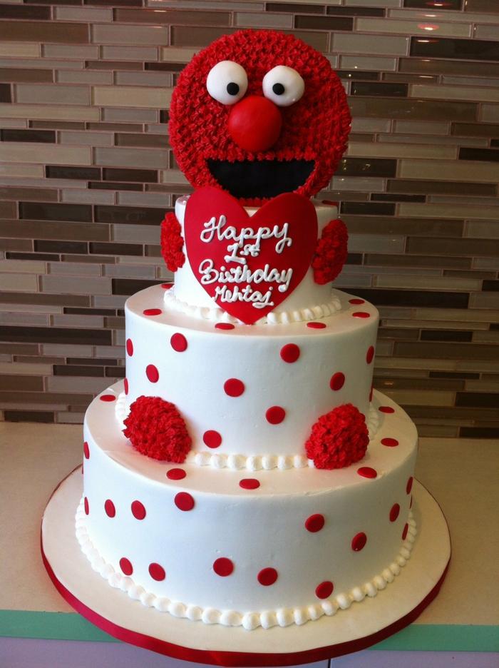 gateau d'anniversaire personnalisé, gateau blanc aux pois rouges, gateau creation