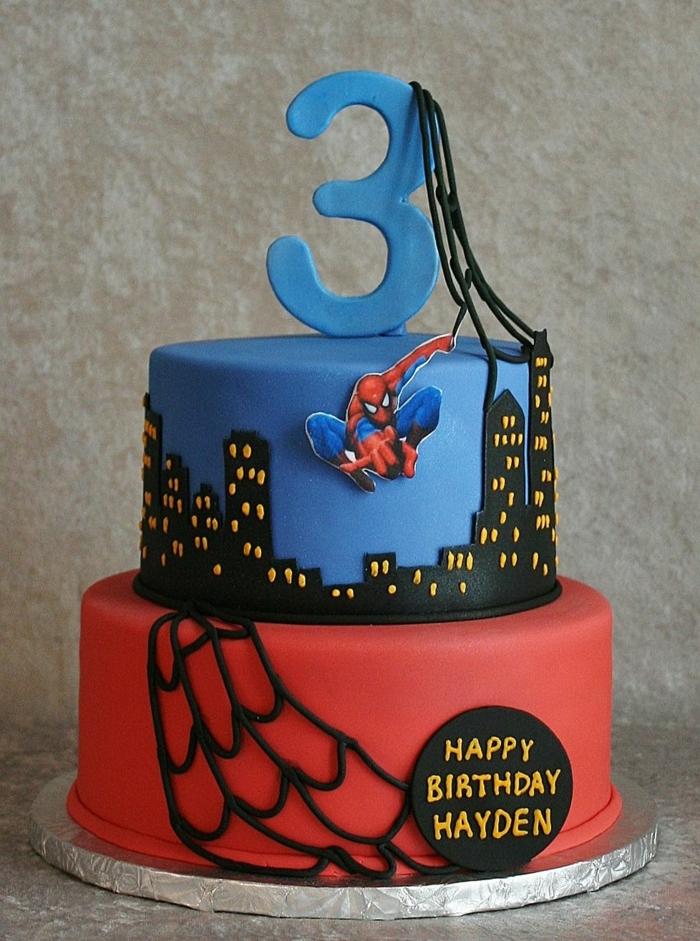 gateau garçon original, gateau avec héros Spiderman, gateau de deux étages
